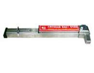 推杠式逃生鎖916A 本品安裝在防火或普通平開門扇上。要求門扇寬度70CM以上,長度可任意截除(也可自定規格)獨立式報警