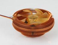 辛巴达冰 刺(黄金版)扇叶规格:9公分散热片直径:1200mm风扇颜色:透明黄